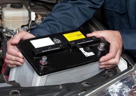 آموزش تصویری خارج کردن باتری خودرو