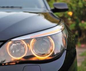 چگونه چراغ خودروی خودرا برق بیندازیم